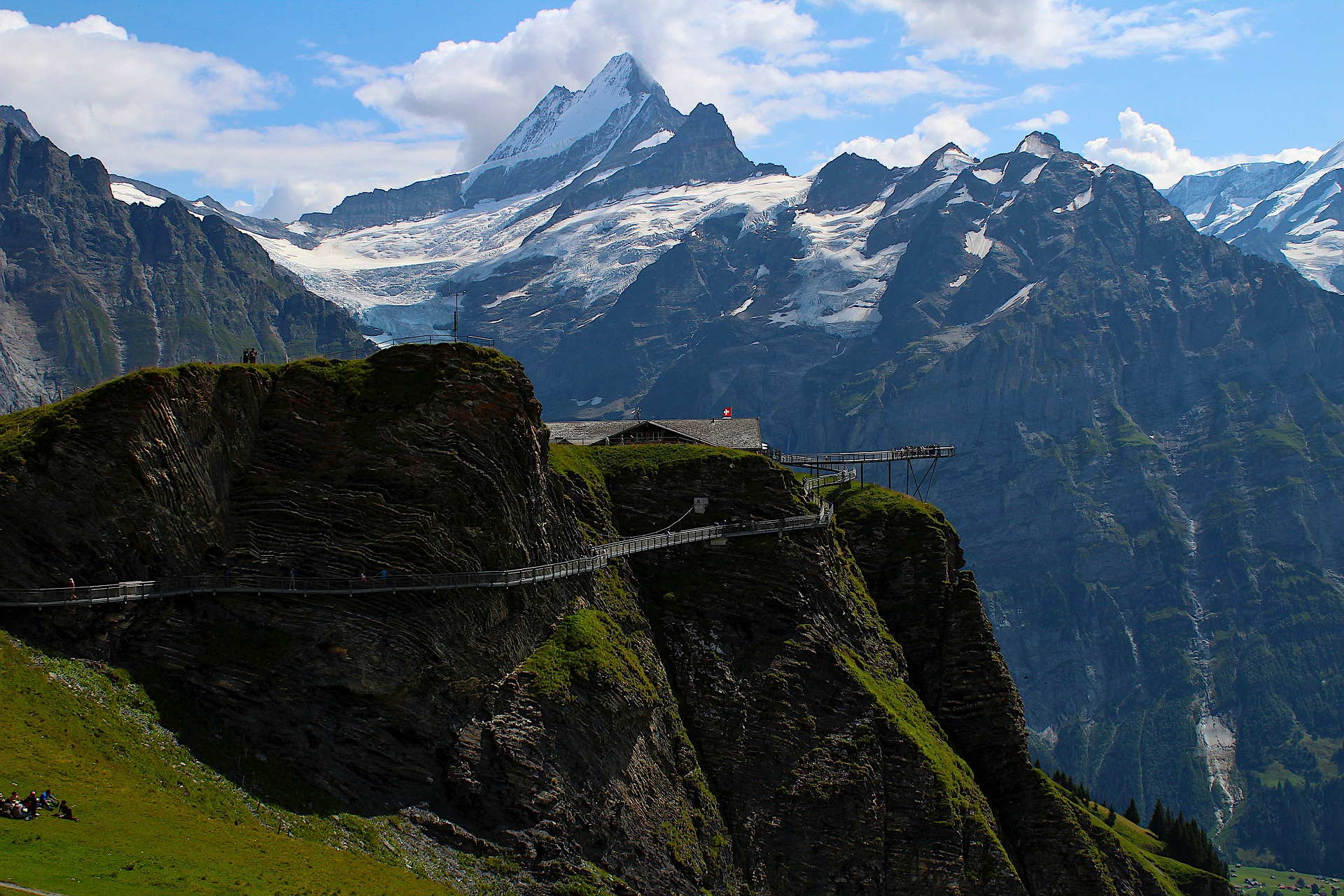 mountins and first cliff walk in grindelwald